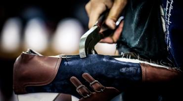 Lavorazione della pelle: scopri i segreti delle calzature Artioli